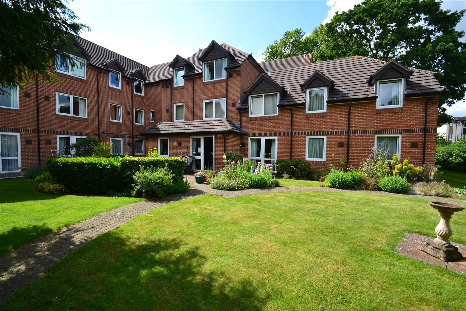 1 Bedroom Retirement Property for sale in Rosemary Lane, Horley